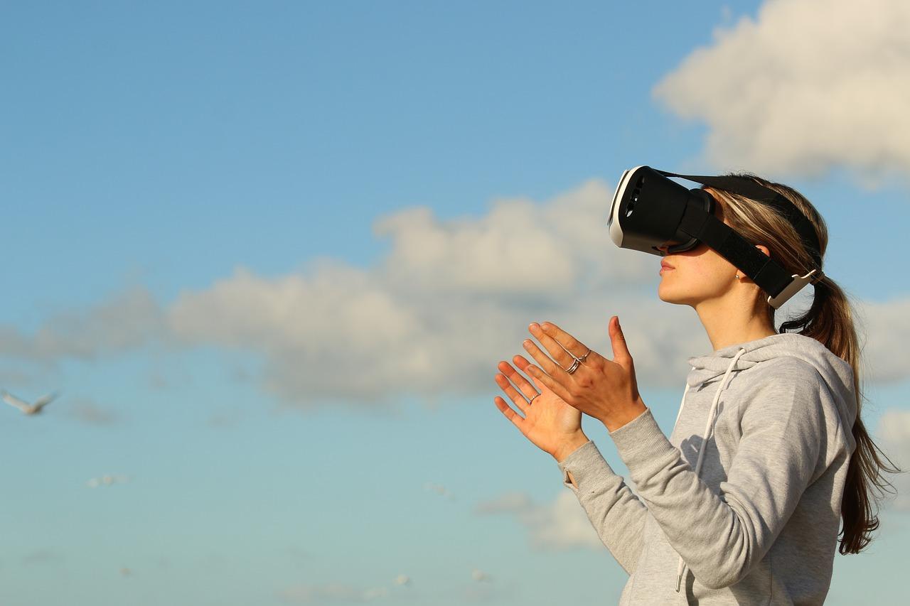 エンジニアの為の「初めてのVR、AR解説」市場の波に乗っていこう